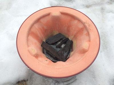 炭は最初少なめにして弱火で温める