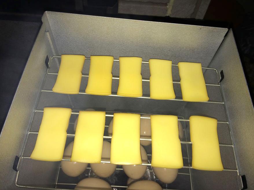 燻製チーズと燻製たまご