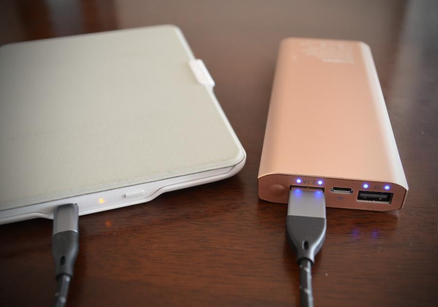 cellevoモバイルバッテリーでAmazonKindleを充電